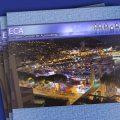 Zu sehen ist das Titelblatt der Publikation. Das Titelbild zeigt eine Stadt bei Nacht aus der Vogelperspektive.